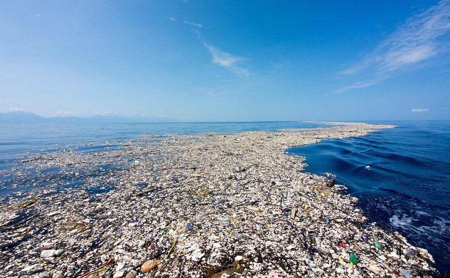 Photographer Reveals Shocking Pictures Of The Caribbean Full Of Debris, Plastic, And Styrofoam #7   ZestRadar