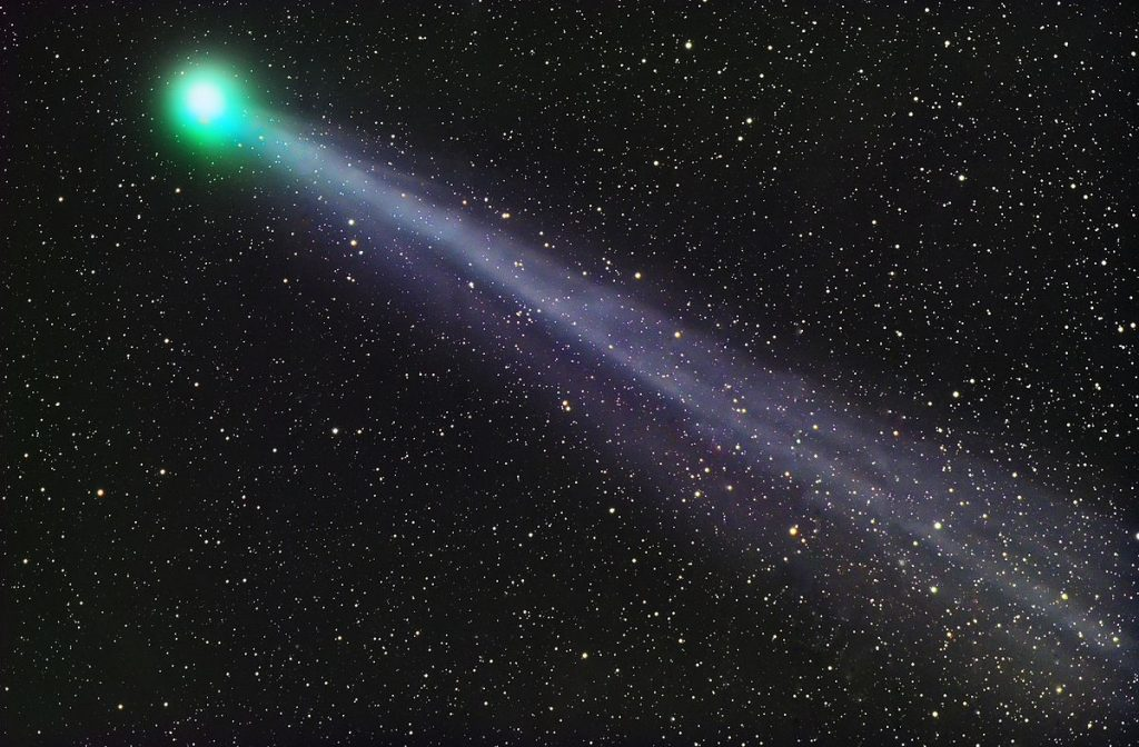 Pons-Winnecke Comet – 5,910,000 km | Top 8 Comets Flying Closest to Earth | Brain Berries