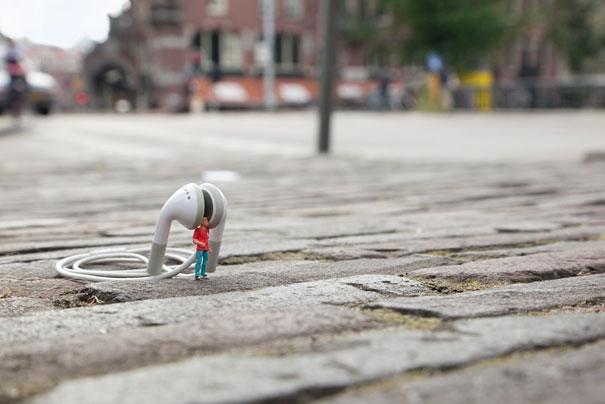 Slinkachu #2 | 8 Astoundingly Tiny Art Pieces | BrainBerries