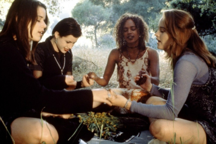 The Craft | Top 10 Cult Teen Movies From The 90s | ZestRadar