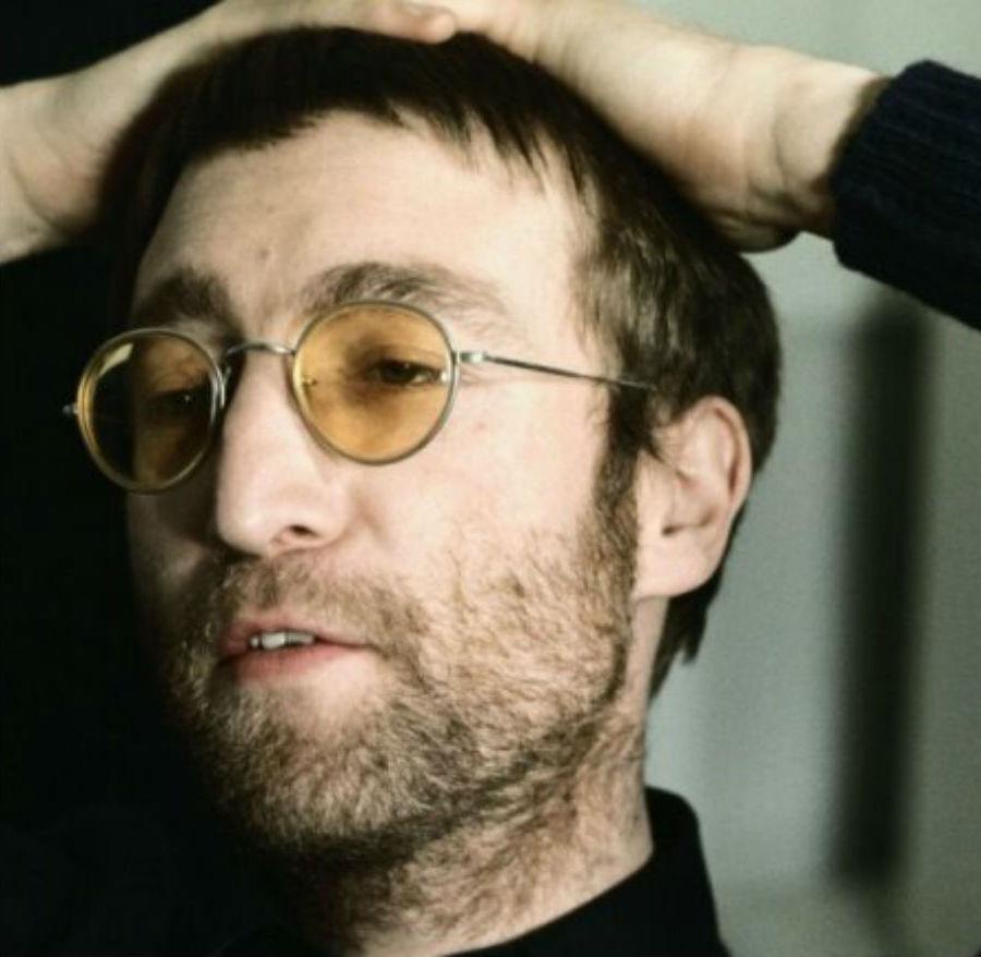 Очки Джона Леннона | Знаковые аксессуары знаменитостей | Brain Berries
