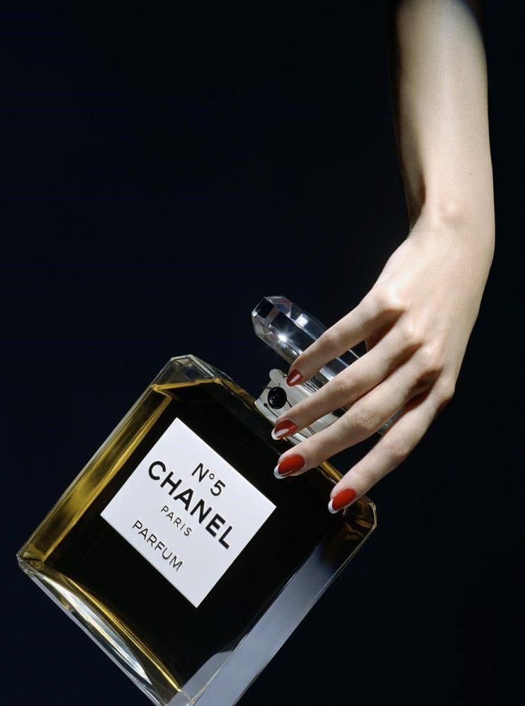 Нина Тейлор в рекламе Chanel  | Нина Тейлор - модель с самыми красивыми руками на планете | Brain Berries
