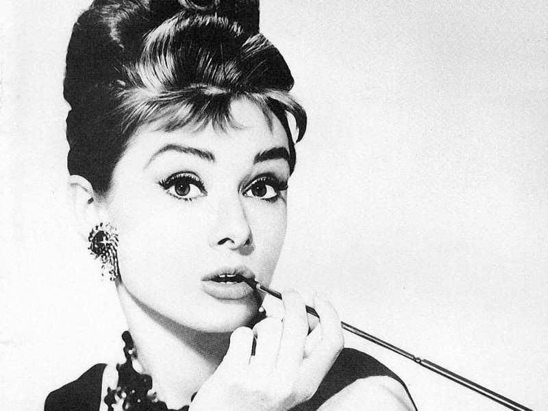 Audrey Hepburn | 8 Best Actresses of Old Hollywood | Brain Berries