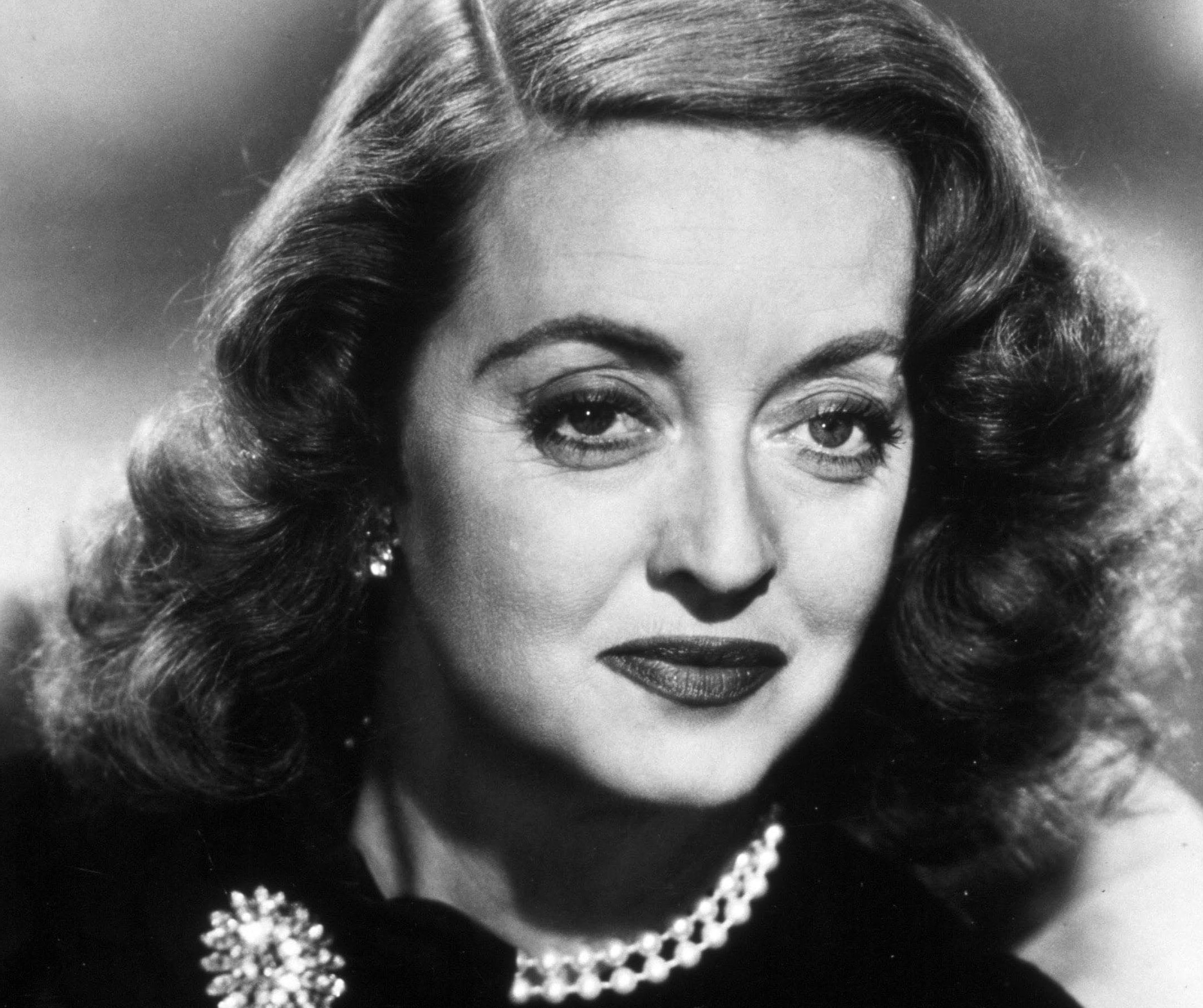 Bette Davis | 8 Best Actresses of Old Hollywood | Brain Berries