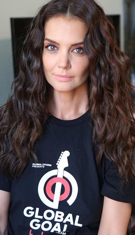Katie Holmes #2 | 9 Gorgeous Celebrities Who Hate Wearing Makeup | Brain Berries