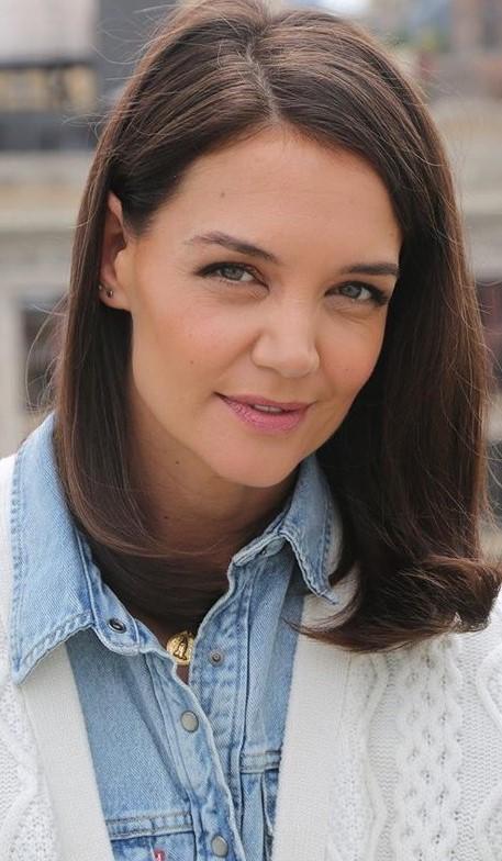 Katie Holmes #3 | 9 Gorgeous Celebrities Who Hate Wearing Makeup | Brain Berries