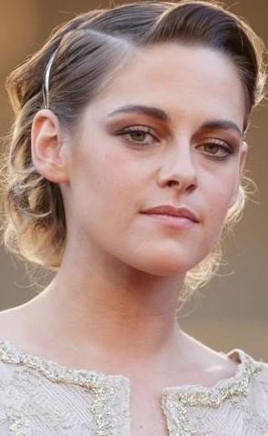Kristen Stewart | 9 Gorgeous Celebrities Who Hate Wearing Makeup | Brain Berries