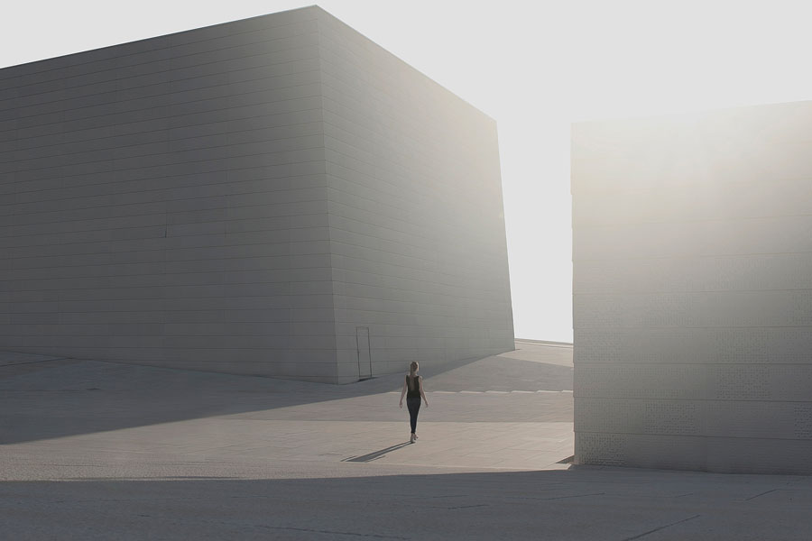 Minimalist Photographer Captures The Heart Of Loneliness, And It's Breathtakingly Beautiful #1 | ZestRadar