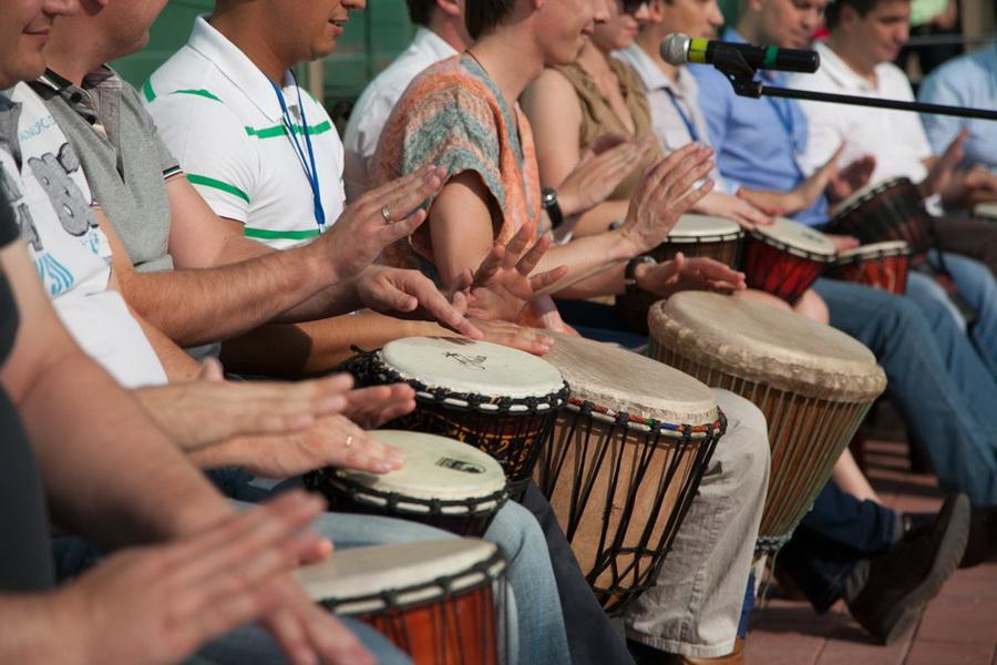 Игра на африканских барабанах | 7 хобби, которые подойдут каждому | Zestradar