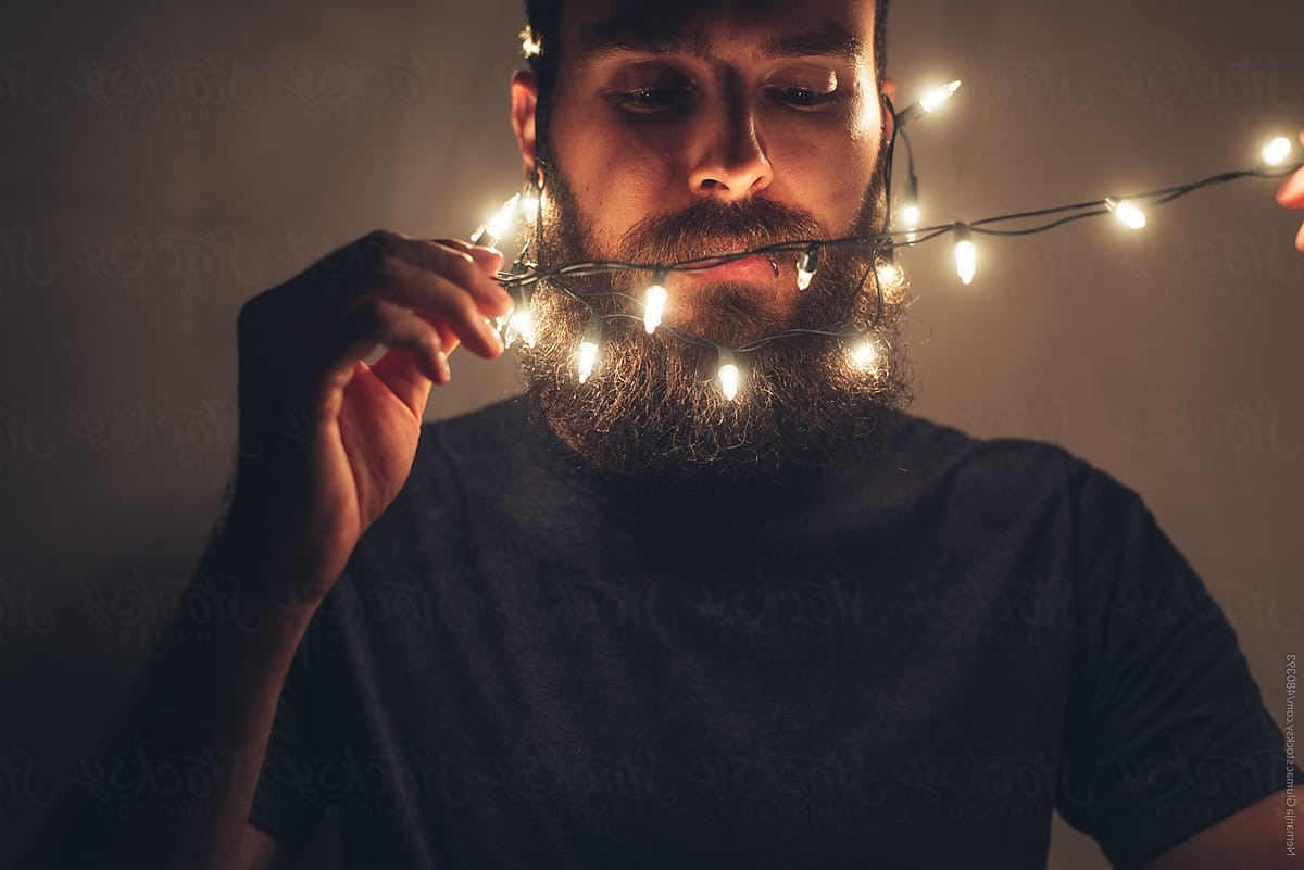 Deck Your Beard With Tiny Christmas Lights! #7   BrainBerries