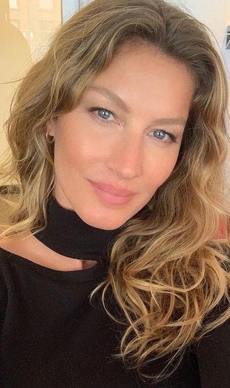 Gisele Bundchen #3 | 9 Gorgeous Celebrities Who Hate Wearing Makeup | Brain Berries