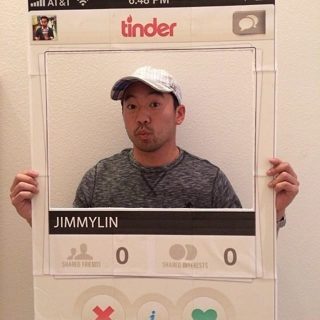 Tinder profile costume | 18 Last-Minute Halloween Costume Ideas | Brain Berries