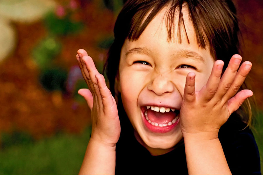 Soothes pain   Crazy Health Benefits Of Laughter That Might Surprise You   ZestRadar