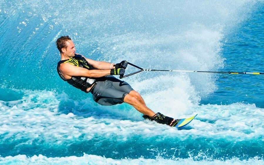 Водные лыжи | 6 полезных изобретений, которые придумали подростки | Brain Berries