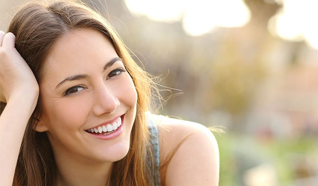 They are more open-minded | 10 Awesome Qualities of Women Who Enjoy Being Alone | Brain Berries