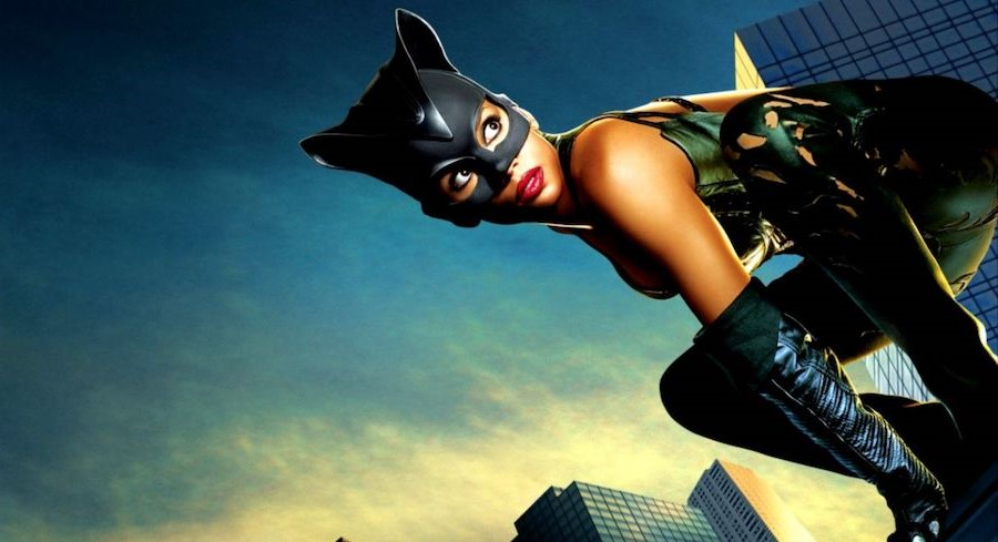 Catwoman | 10 Comic Book Origins That Were Very Different In The Movies | Zestradar