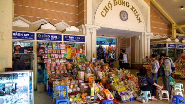Chợ Đồng Xuân – Hà Nội  | 6 chợ nổi tiếng ở Việt Nam mà bạn sẽ thích thú khi ghé thăm | Brain Berries