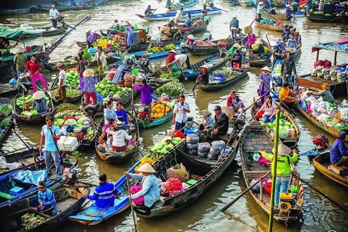 Chợ nổi Ngã Bảy – Hậu Giang | 6 chợ nổi tiếng ở Việt Nam mà bạn sẽ thích thú khi ghé thăm | Brain Berries