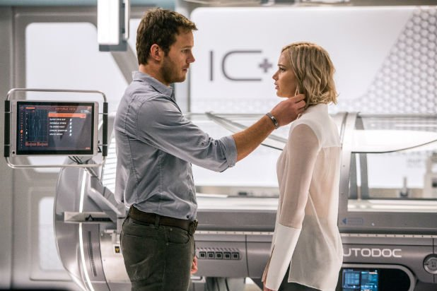 Jennifer Lawrence and Chris Pratt (Passengers) | 7 Actors Who Refused to Kiss on Camera | ZestRadar