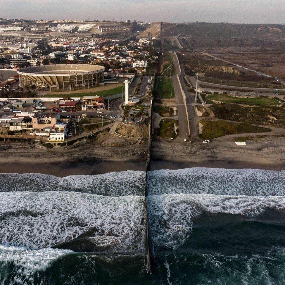 Confine tra Stati Uniti e Messico | Le 8 linee di confine più famose del mondo | Brain Berries
