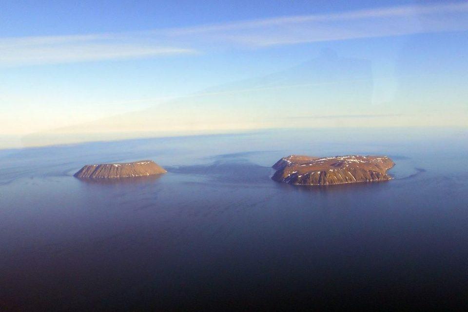 Confine tra Stati Uniti e Russia – Le Isole Diomede  | Le 8 linee di confine più famose del mondo | Brain Berries