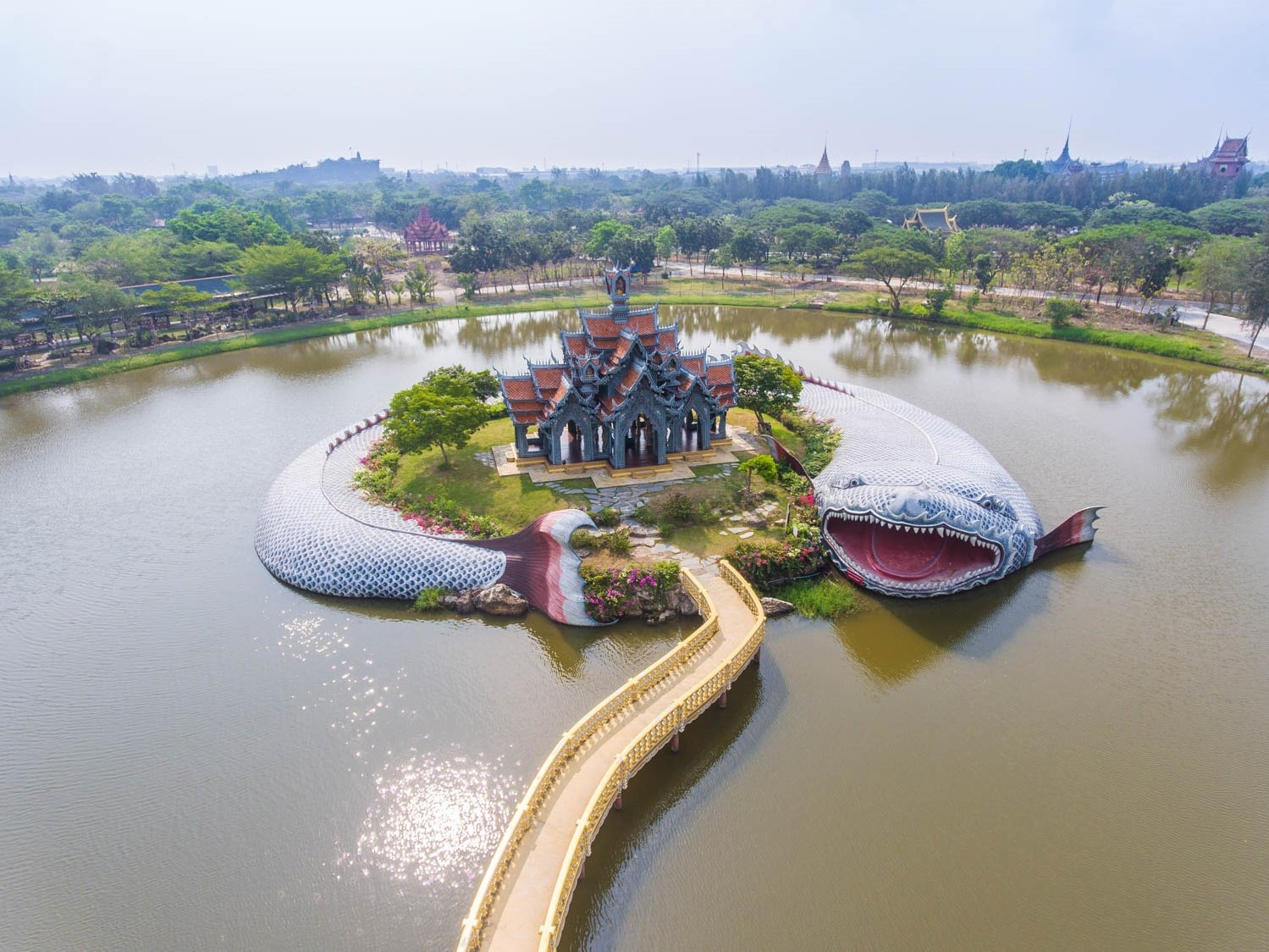 Cung điện núi Sumeru - Muang Boran | 7 kỳ quan kiến trúc độc đáo bậc nhất của Thái Lan | Brain Berries