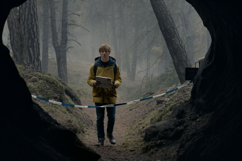 Dark | 8 Awesome Shows You Can Binge In A Couple of Days | BrainBerries