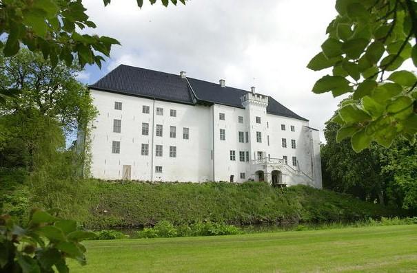 Dragsholm Castle, Denmark | Top 9 Scariest Haunted Castles in Europe | Brain Berries