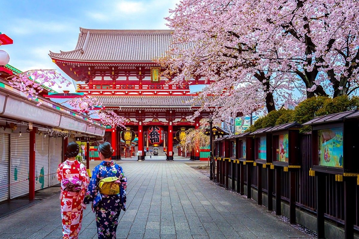 Japan | 9 Best Destinations For Solo Travelers | Brain Berries