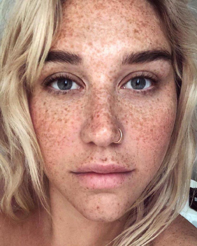 Kesha | 10 Best Celebrity Selfies Of 2019  | ZestRadar