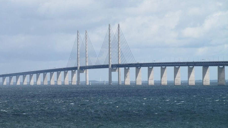 Öresund Bridge, Sweden/Denmark | 10 World's Most Expensive Bridges | Zestradar