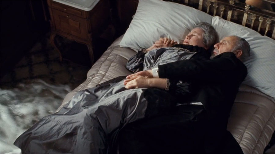 Titanic – The Old Couple | 10 Most Tear-Jerking Movie Scenes Ever Created | ZestRadar