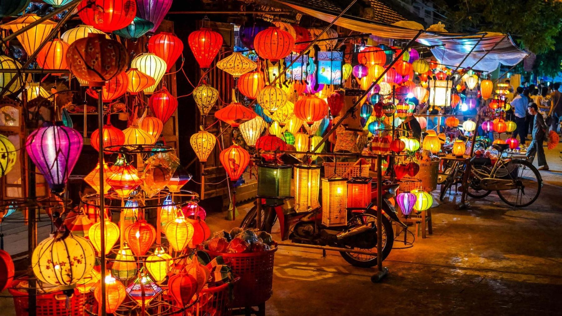 Chợ đêm Hội An – Quảng Nam | 6 chợ nổi tiếng ở Việt Nam mà bạn sẽ thích thú khi ghé thăm | Brain Berries