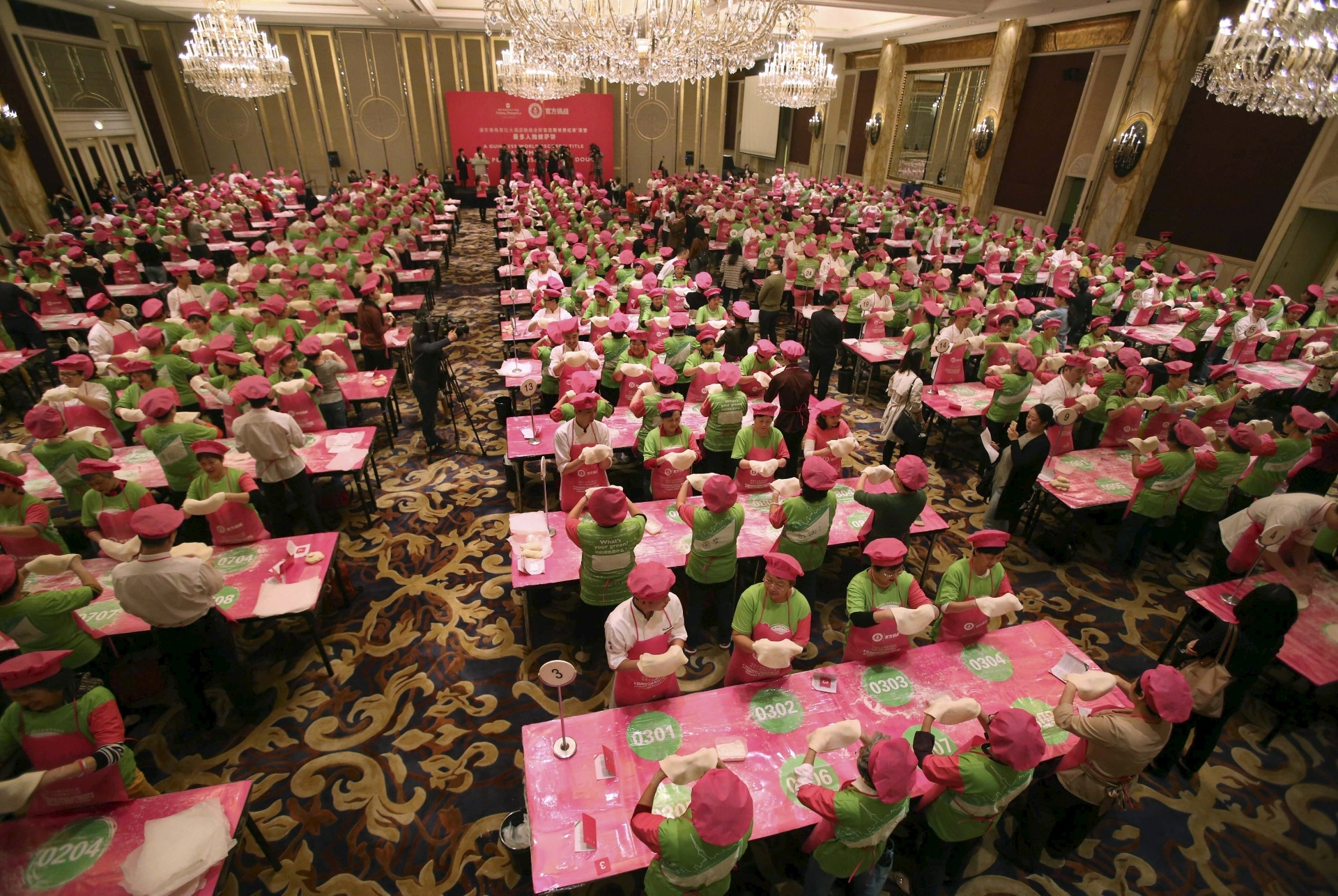 #14 | Перфекционизм по-китайски: зловещая магия организованной толпы | BrainBerries