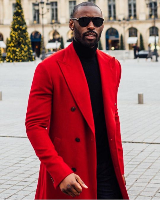 Red is the colour of attraction | 7 Scientific Facts About Attraction You Can Use The Next Time You Go On A Date | ZestRadar