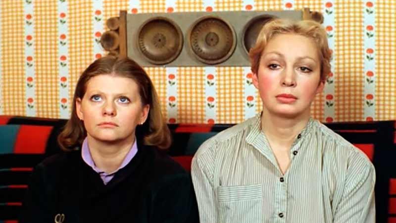 Самая обаятельная и привлекательная  | 10 крутых советских комедий | Brain Berries