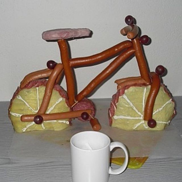 Bike made of sausages | Unsettling Food Art by @TotallyGourmet | Brain Berries