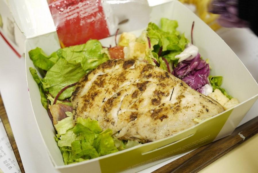 Салаты | Какие блюда фастфуда лучше никогда не заказывать | Zestradar