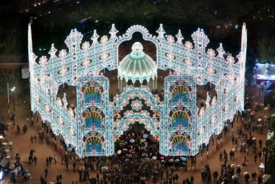10 Best Christmas Light Displays Around The World | Zestradar