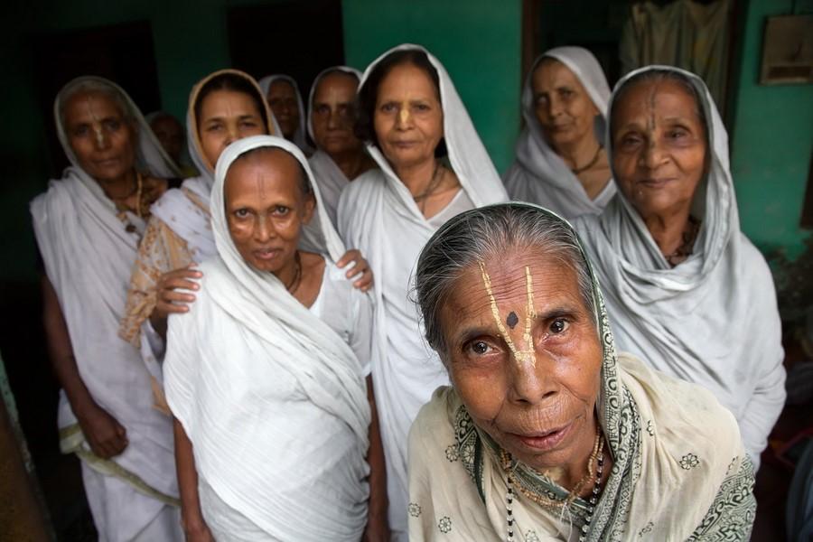 Статус вдовы в Индии | 7 фактов о жизни Восточных женщин, которые вряд ли поймут на Западе | Zestradar