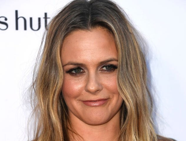 Alicia Silverstone – $20 Million | 9 Stars From The 90s Who Are Still Rich | Brain Berries