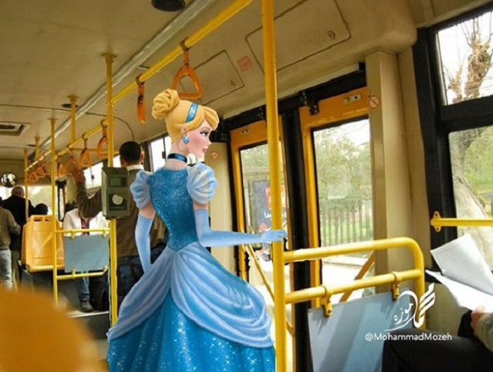 Cinderella | Artist Puts Famous Cartoon Characters Into Real Life Setting, And It's Breathtaking | Zestradar