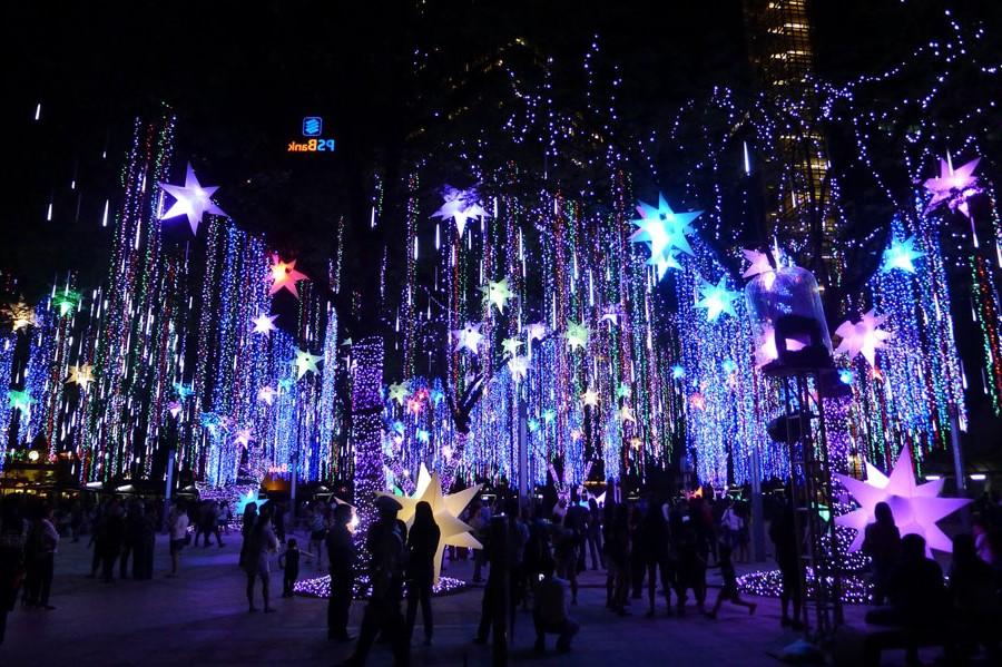 Ayala Triangle Gardens, Manila, Philippines | 10 Best Christmas Light Displays Around The World | Zestradar
