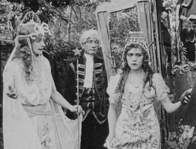 Cinderella (1914) | 7 Cinderella Adaptions Rated From Best to Worst | Brain Berries