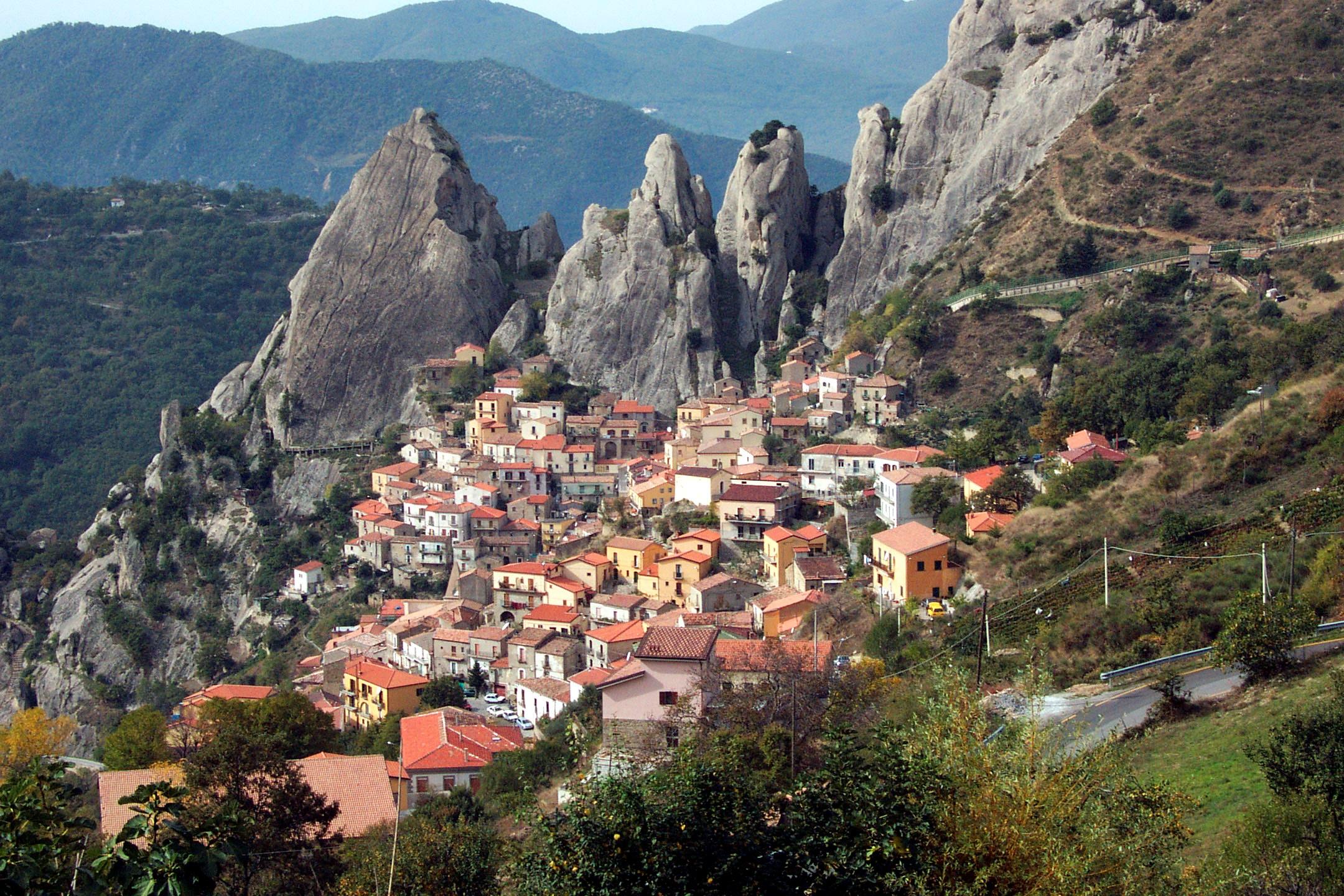 Dolomiti Lucane  |  Paradisi naturali in giro per l'Italia | BrainBerries