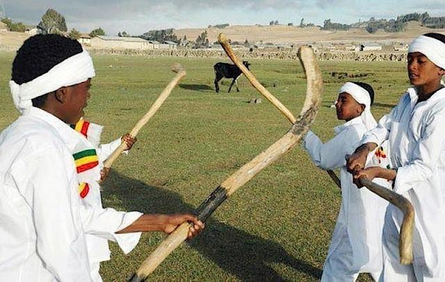 2. جانا - إثيوبيا |  لطيف ، غريب ، مرح: 7 تقاليد عيد الميلاد الفريدة من جميع أنحاء العالم |  التوت الدماغ