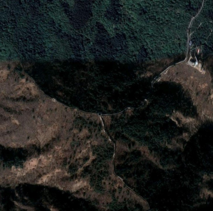 The Great Wall of China  | 11 Mind-Bending Things That Can Be Seen Only From Space | Zestradar