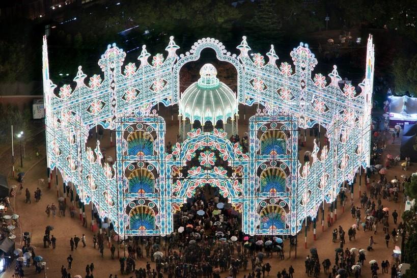 Kobe Luminarie, Japan | 10 Best Christmas Light Displays Around The World | Zestradar