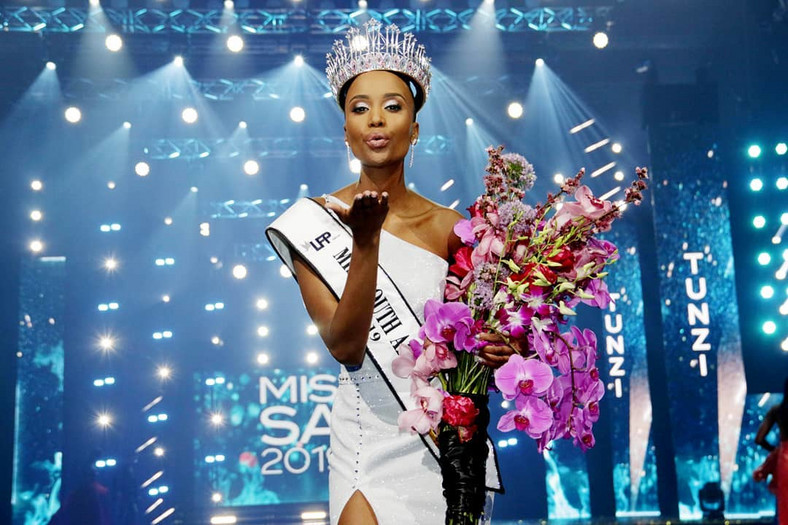 Beauty stereotypes  | Miss Universe 2019 Zozibini Tunzi Wins The Title With Her Stunning Final Words | Zestradar