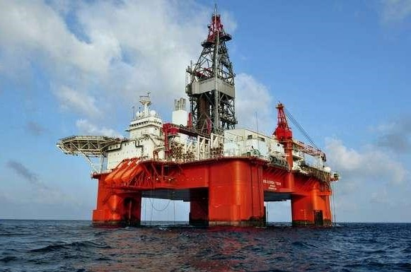 7. Oil Drilling | Top 9 Most Dangerous Jobs in the World | Brain Berries